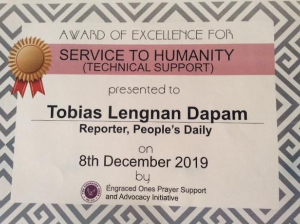 Peoples Daily reporter receives Humanitarian Award